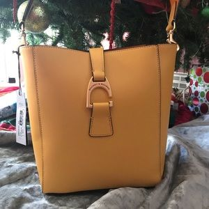 Dooney and Bourke Womans Bag
